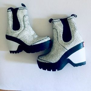 HUNTER ankle booties